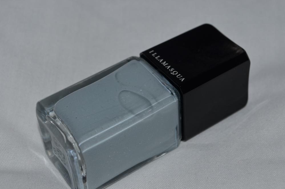 Illamasqua Raindrops nail varnish review (3/6)