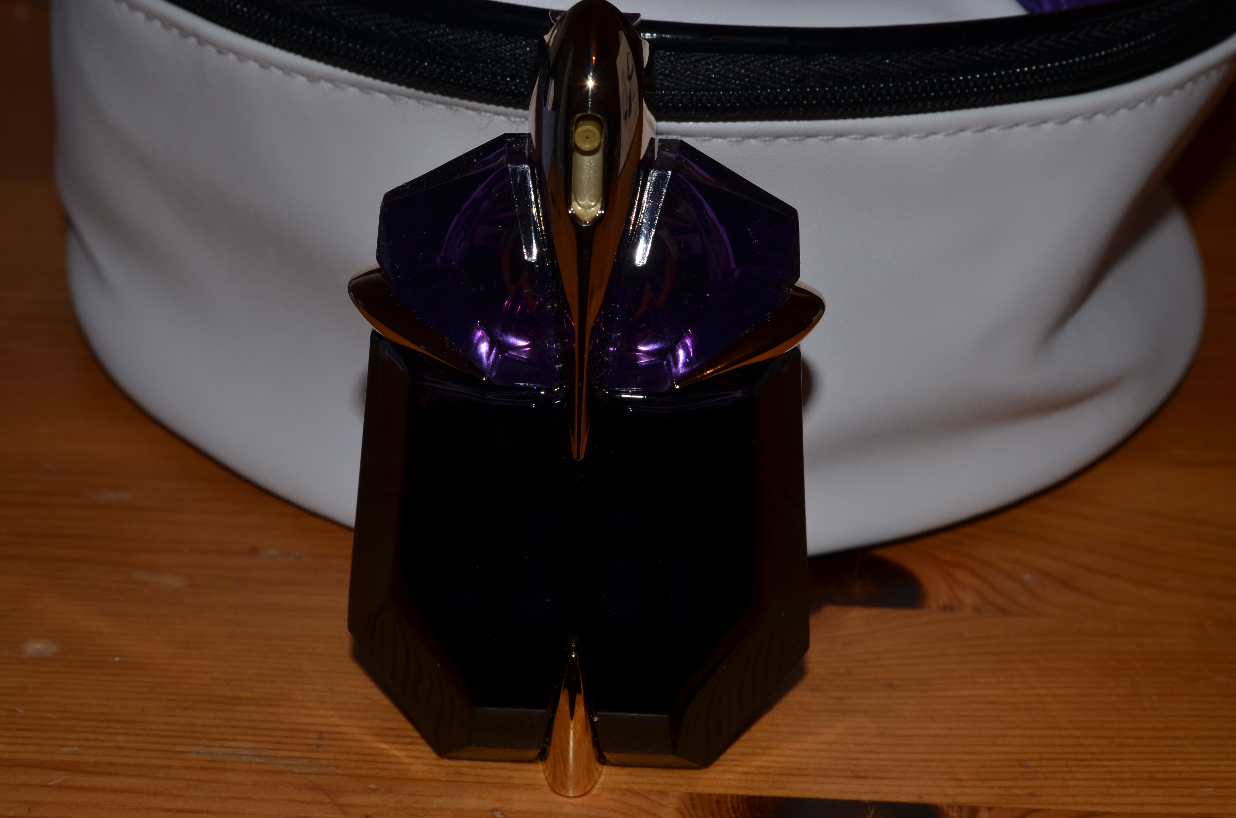Cheeky little purchase – Alien by Thierry Mugler | There